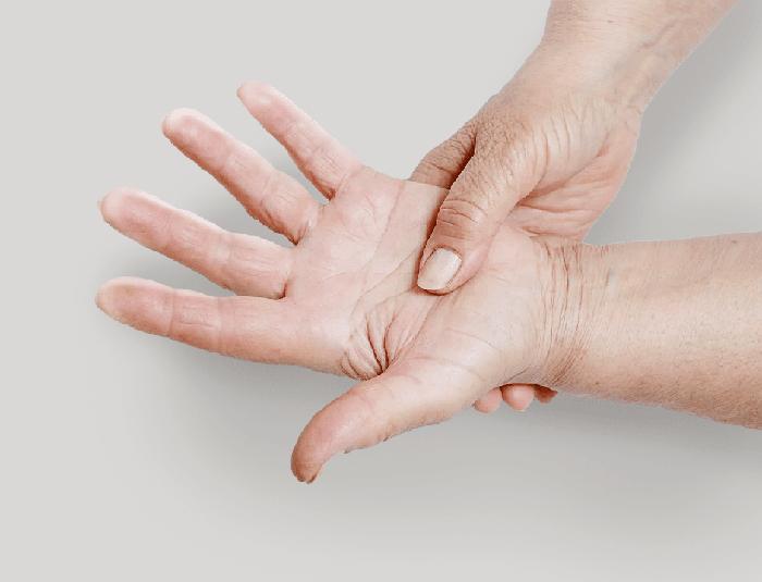 Симптомы и причины возникновения отеков и судорог